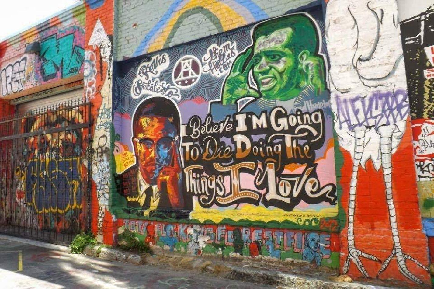 Hibiscus & Nomada : - - Clarion Alley, SF
