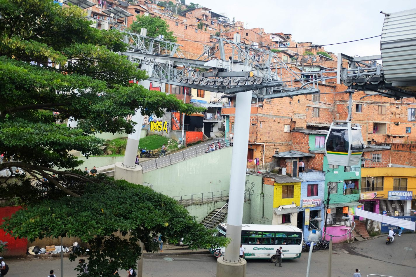 Hibiscus & Nomada : Medell� n - Santo Domingo