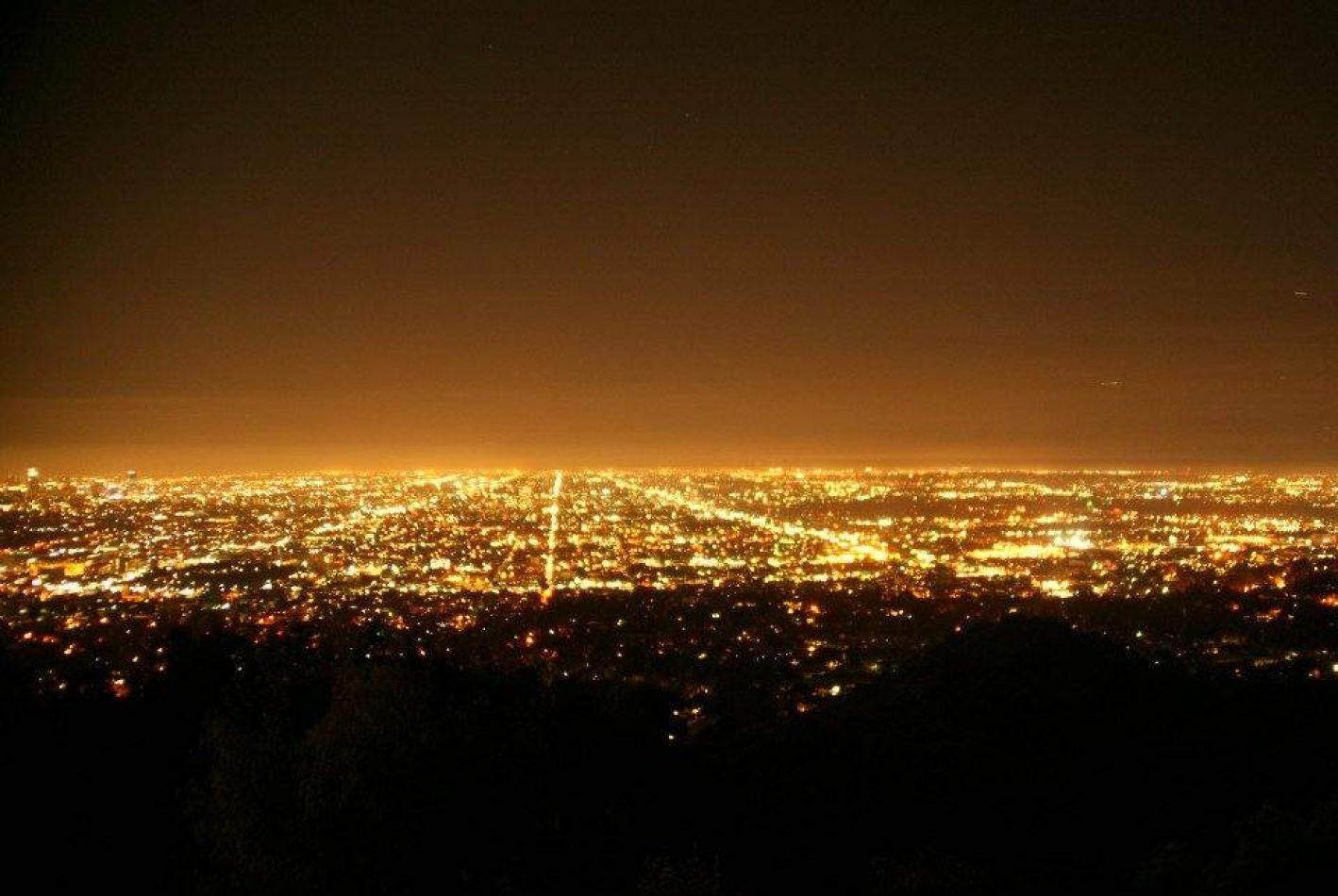 Hibiscus & Nomada : - - LA by night