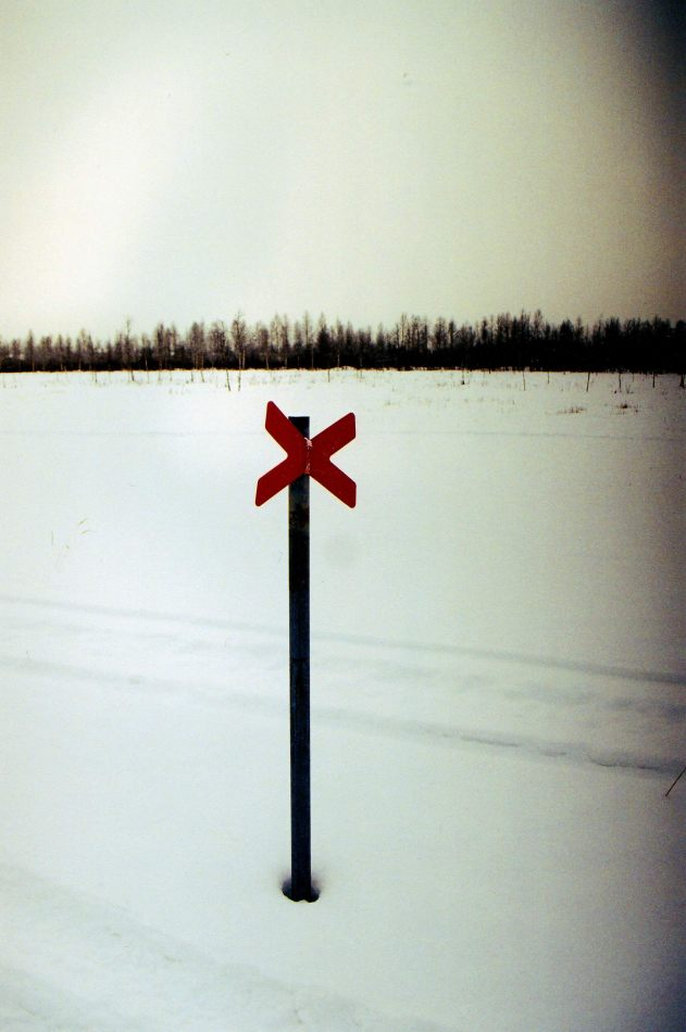Anthony Ellis Photography: Crosses in the Snow - Red Cross in the Snow