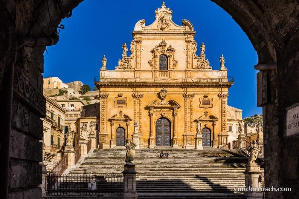 Duomo di San Pietro     Modica Sicily