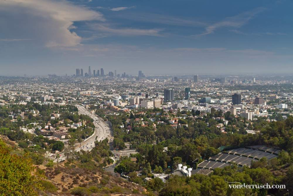 Viewpoint from Mulholland Drive     L A  USA