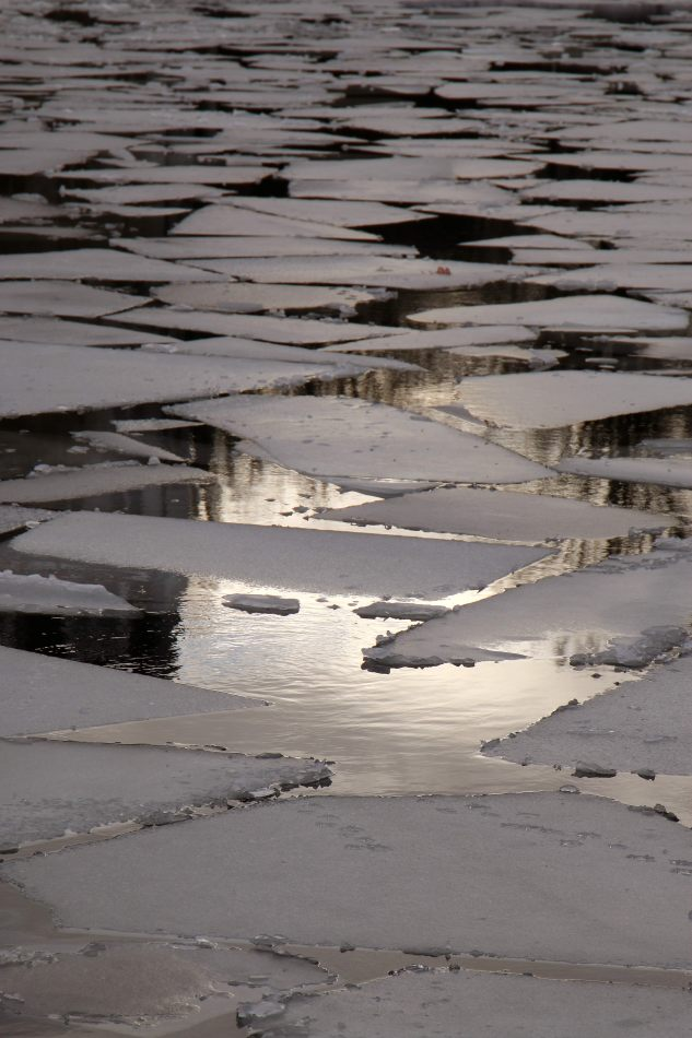 Anthony Ellis Photography: Das Ist - Broken Ice on the Spree