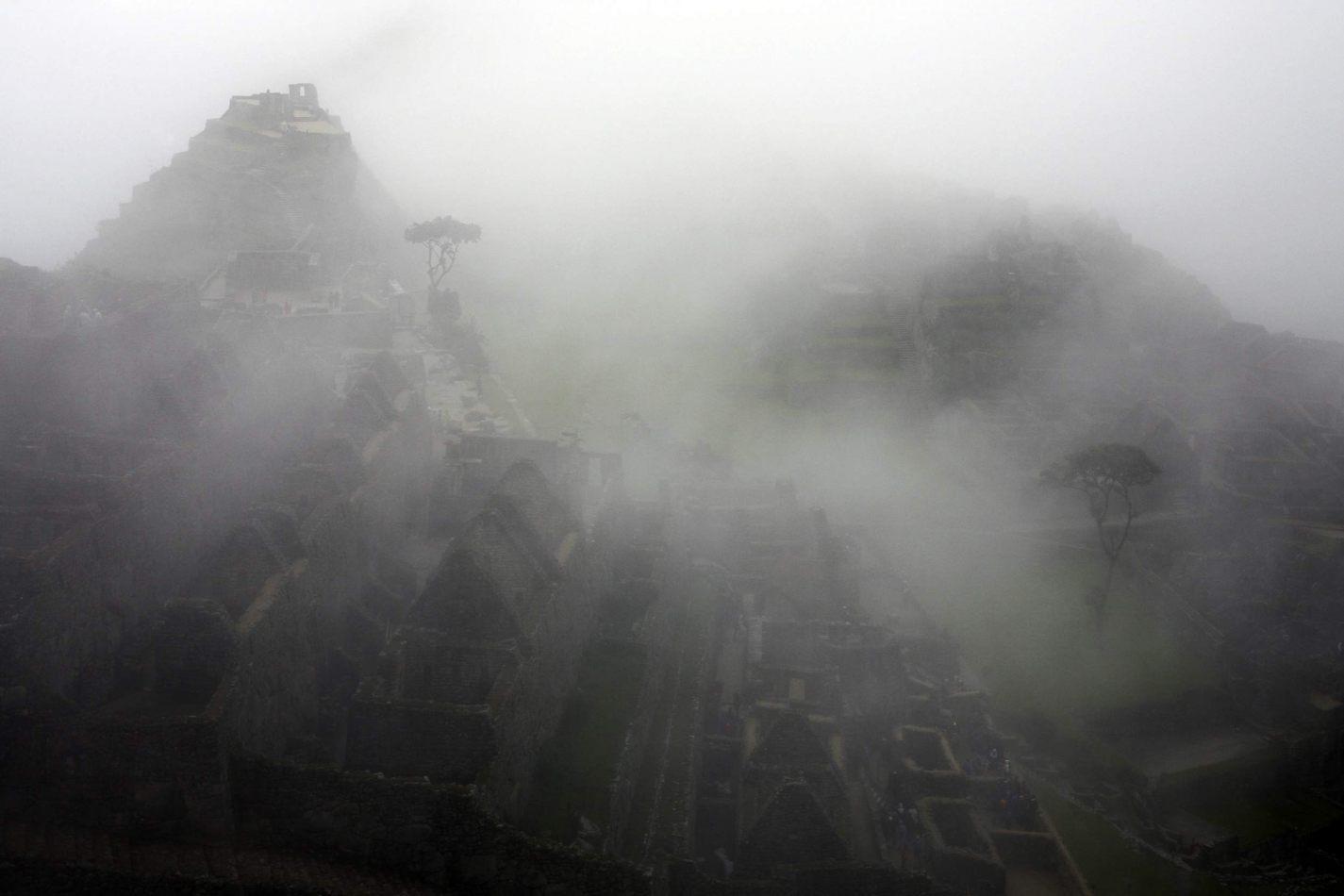Anthony Ellis Photography: Apus - City of Mist