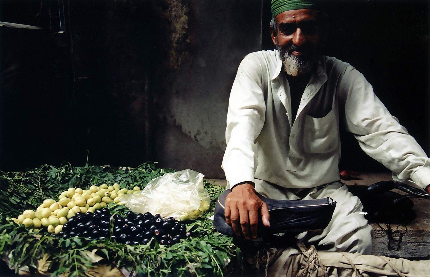 Anthony Ellis Photography: Zindabad - The Olive Seller