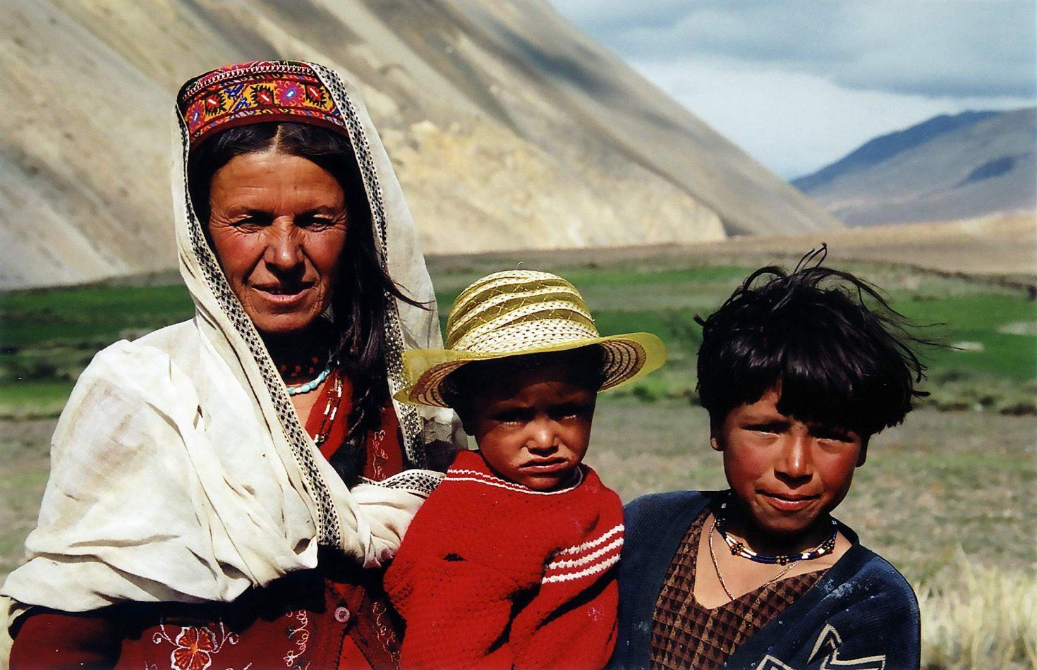 Anthony Ellis Photography: Zindabad - Windburnt Family