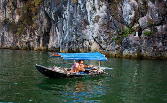Vietnam C� t B�  Island