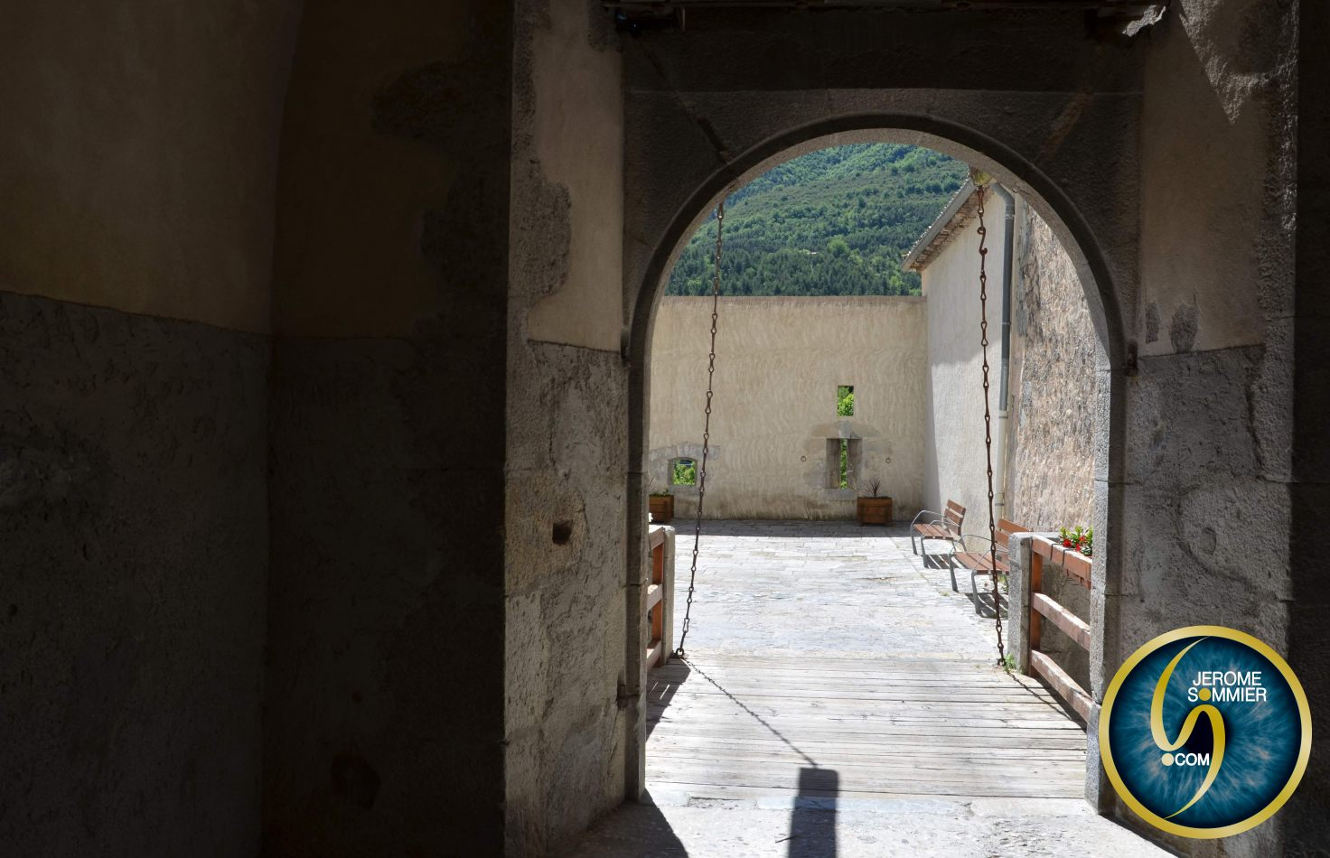 Jerome Sommier Photos - Photo & Graphism: Entrevaux