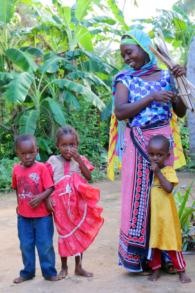 Anthony Ellis Photography: Mzungu - Mother and Children