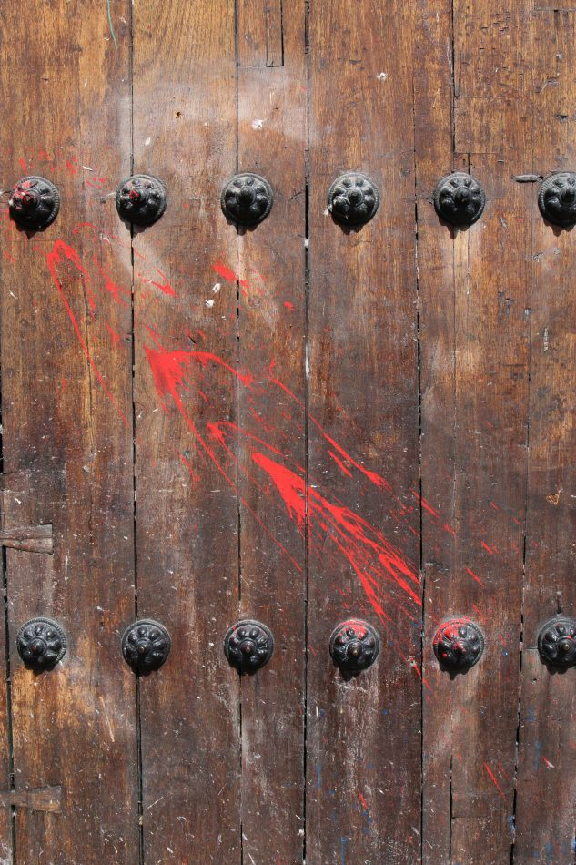 Anthony Ellis Photography: Antes del Refer� ndum - Red Paint Thrown at Churches
