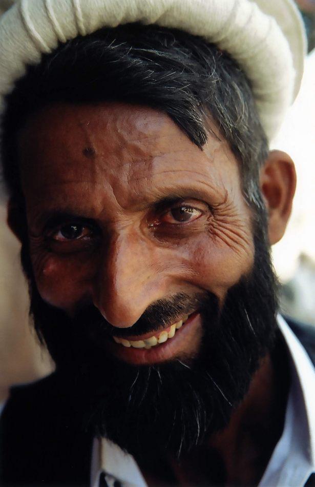 Anthony Ellis Photography: Zindabad - The Other Chitrali Tailor