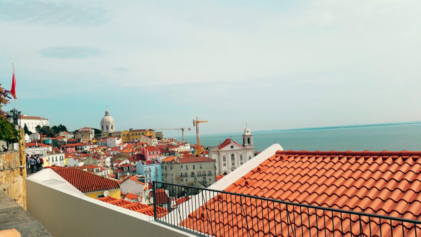 Hibiscus & Nomada : Lisbon - Viewpoint