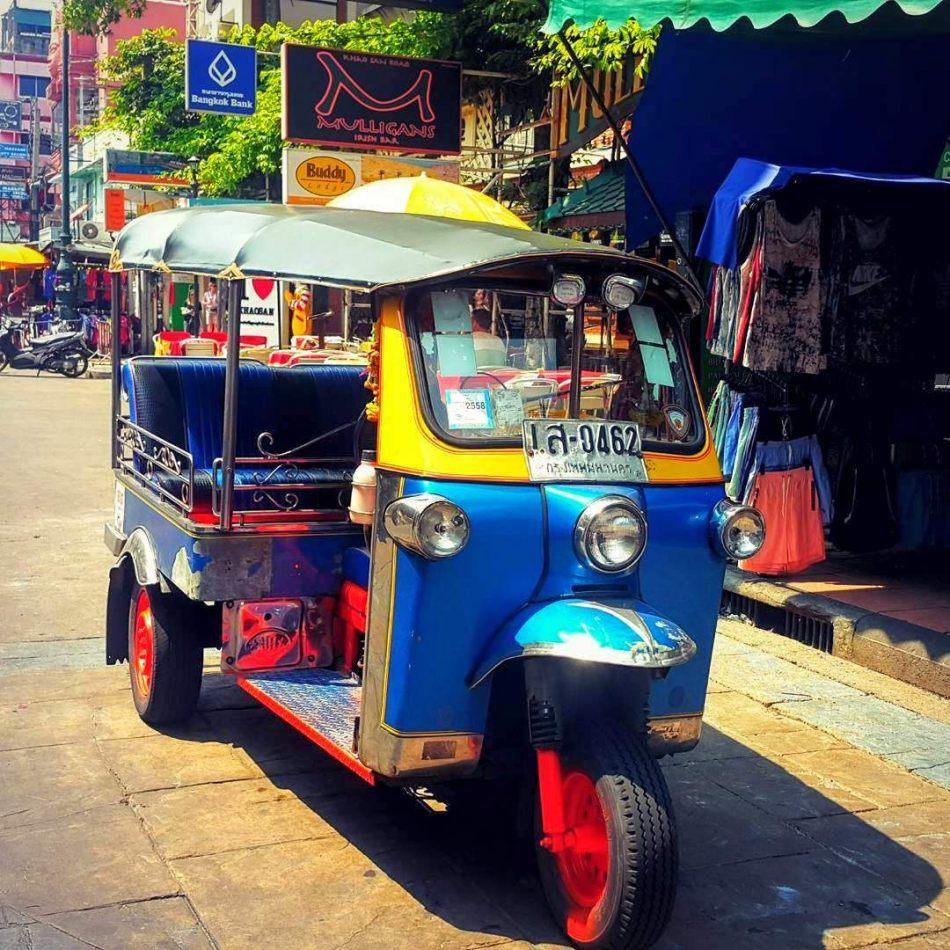 Hibiscus & Nomada : Thailand - TUK TUK RIDE