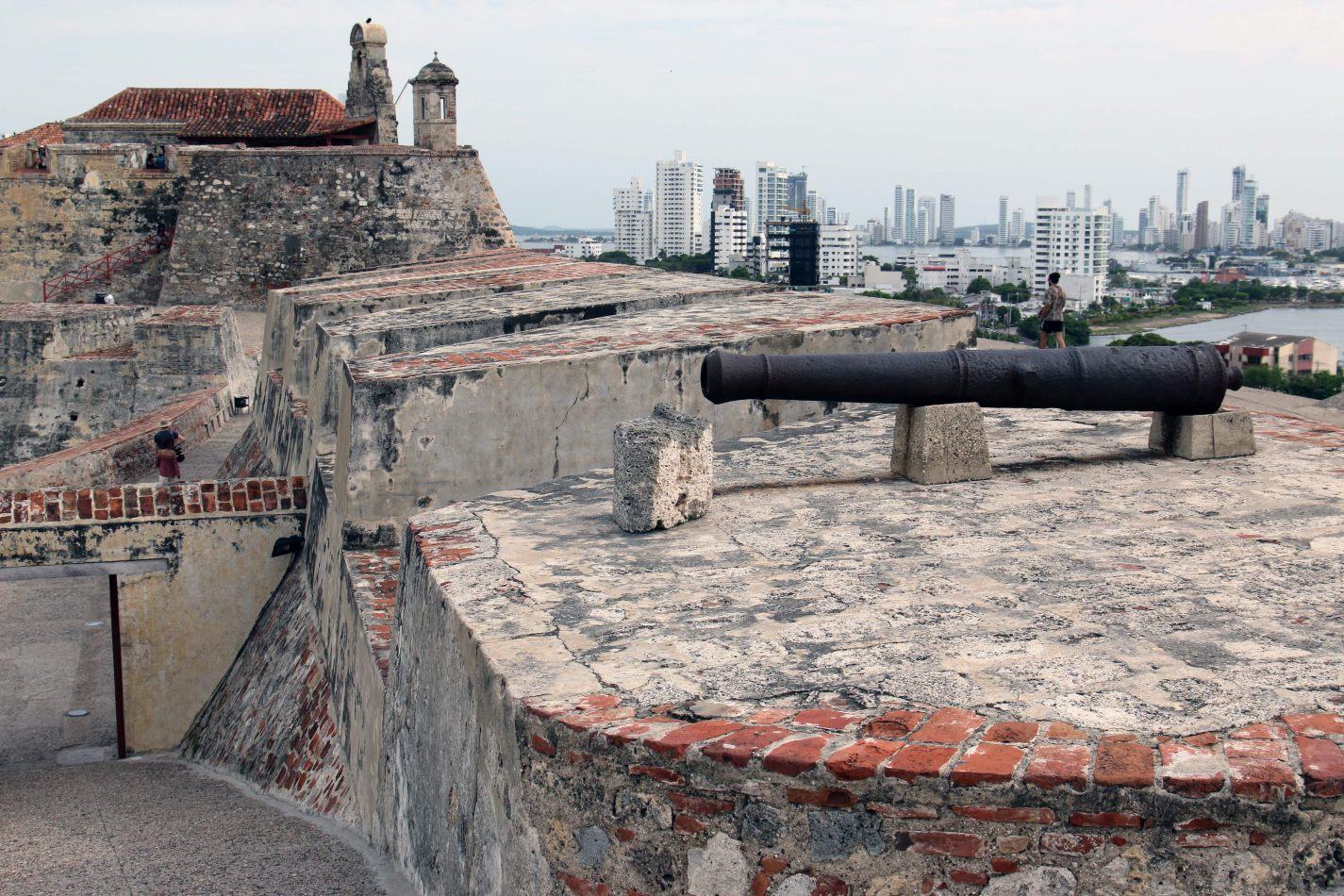 Anthony Ellis Photography: Antes del Refer� ndum - Castillo de San Felipe de Barajas