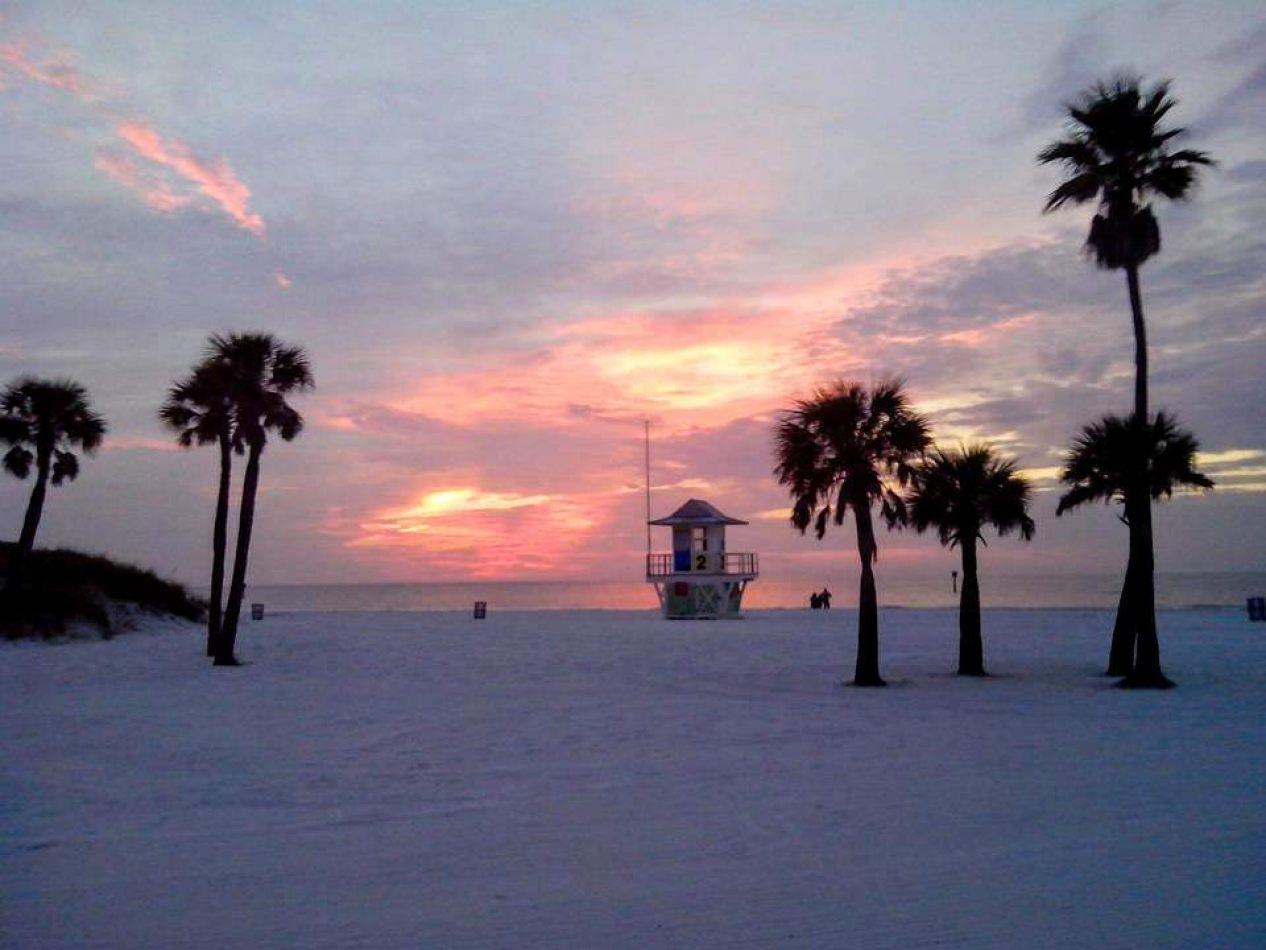 Hibiscus & Nomada : Florida - Lifeguard Tower