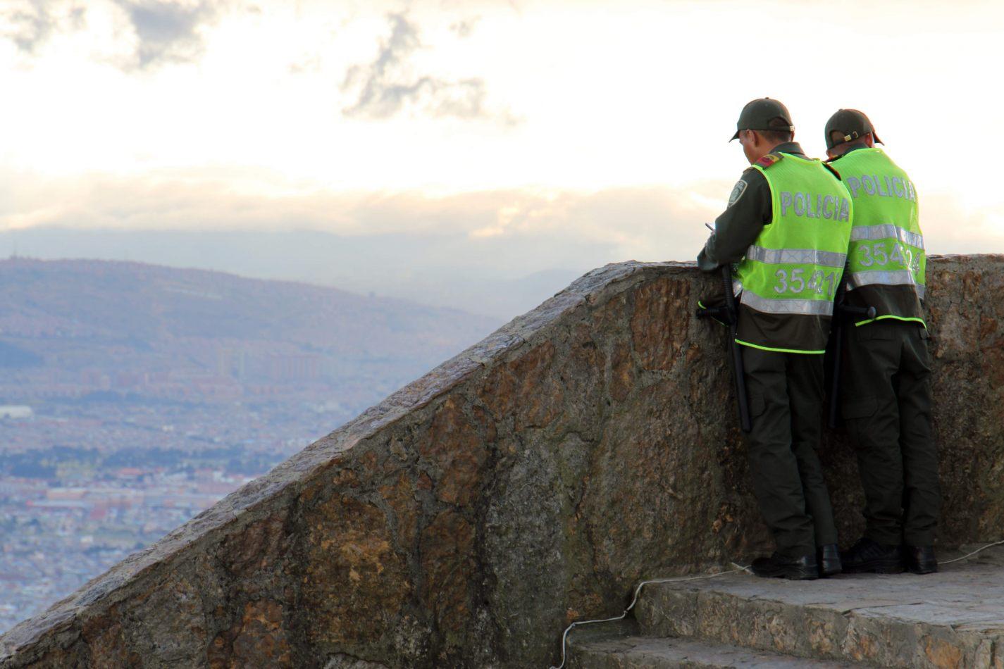 Anthony Ellis Photography: Antes del Refer� ndum - Mountain Police