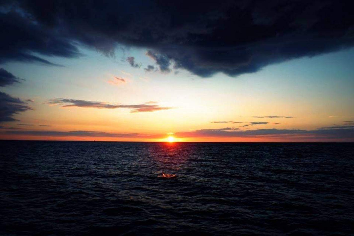 Hibiscus & Nomada : Florida - Tropics Boat Sunset