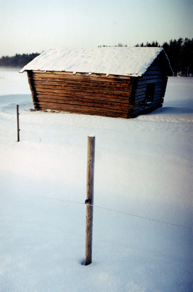 Anthony Ellis Photography: Crosses in the Snow - Hay Barn