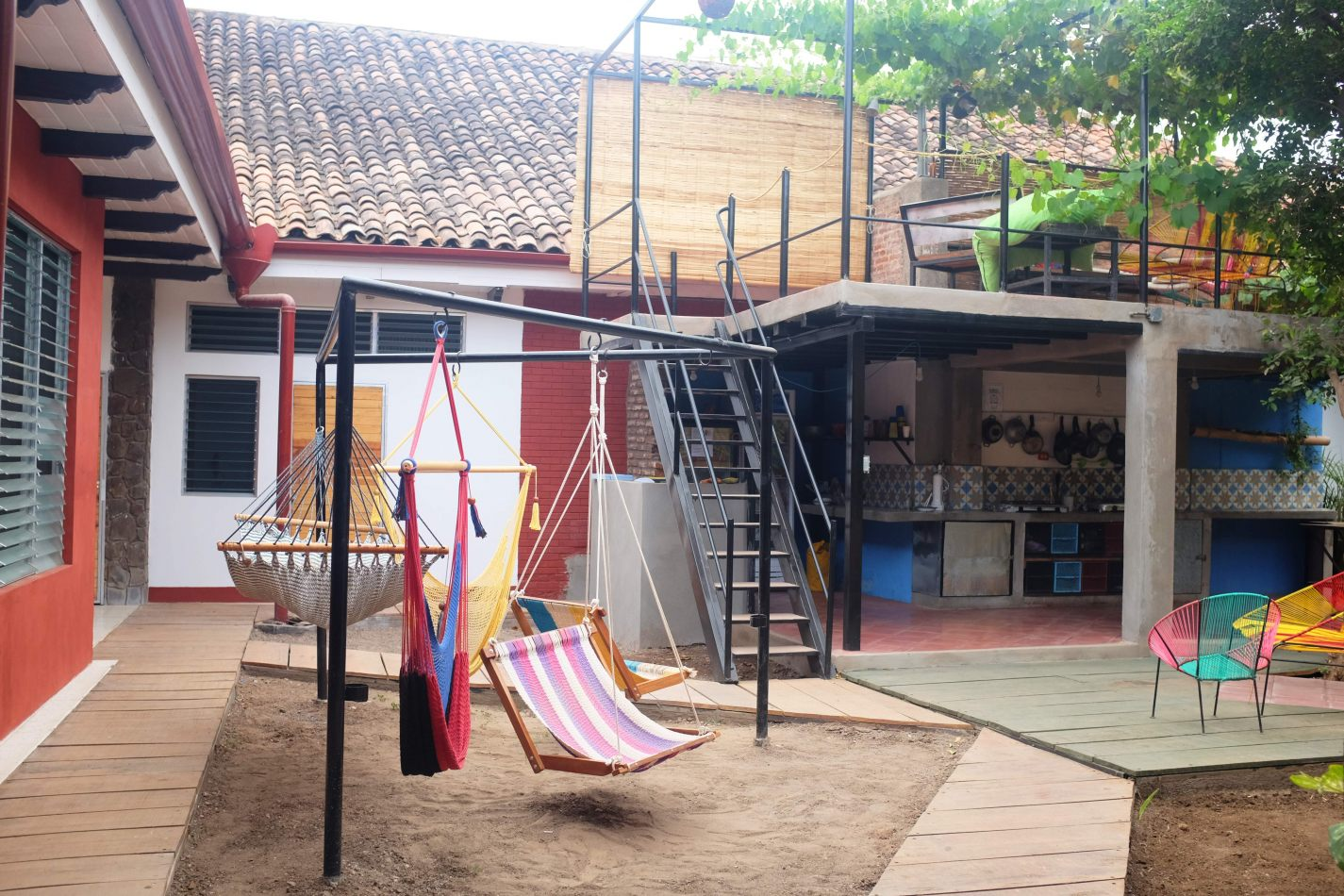 Hibiscus & Nomada : Granada - Hostel De Boca en Boca