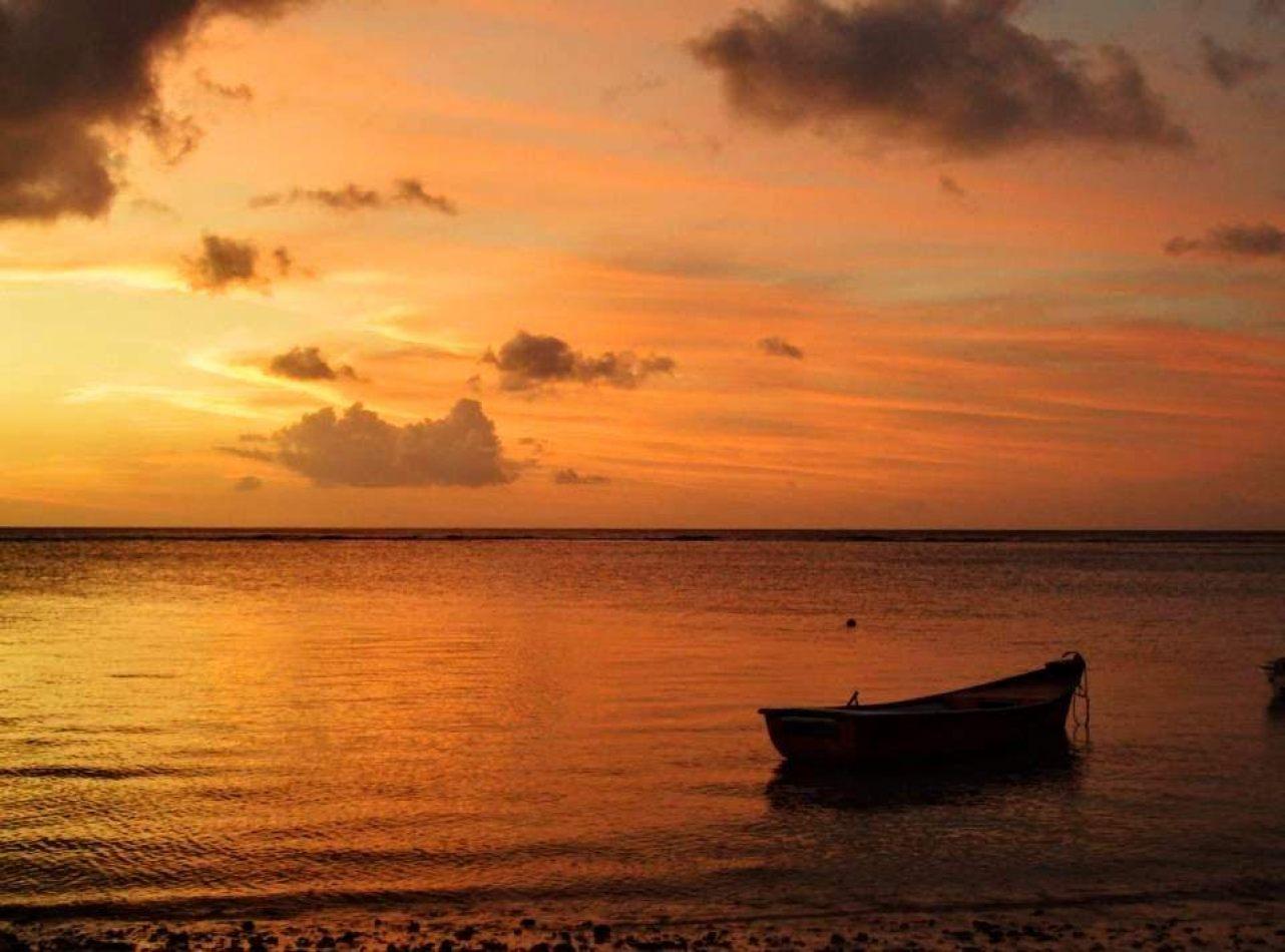 Hibiscus & Nomada : Cambodia - Sunset