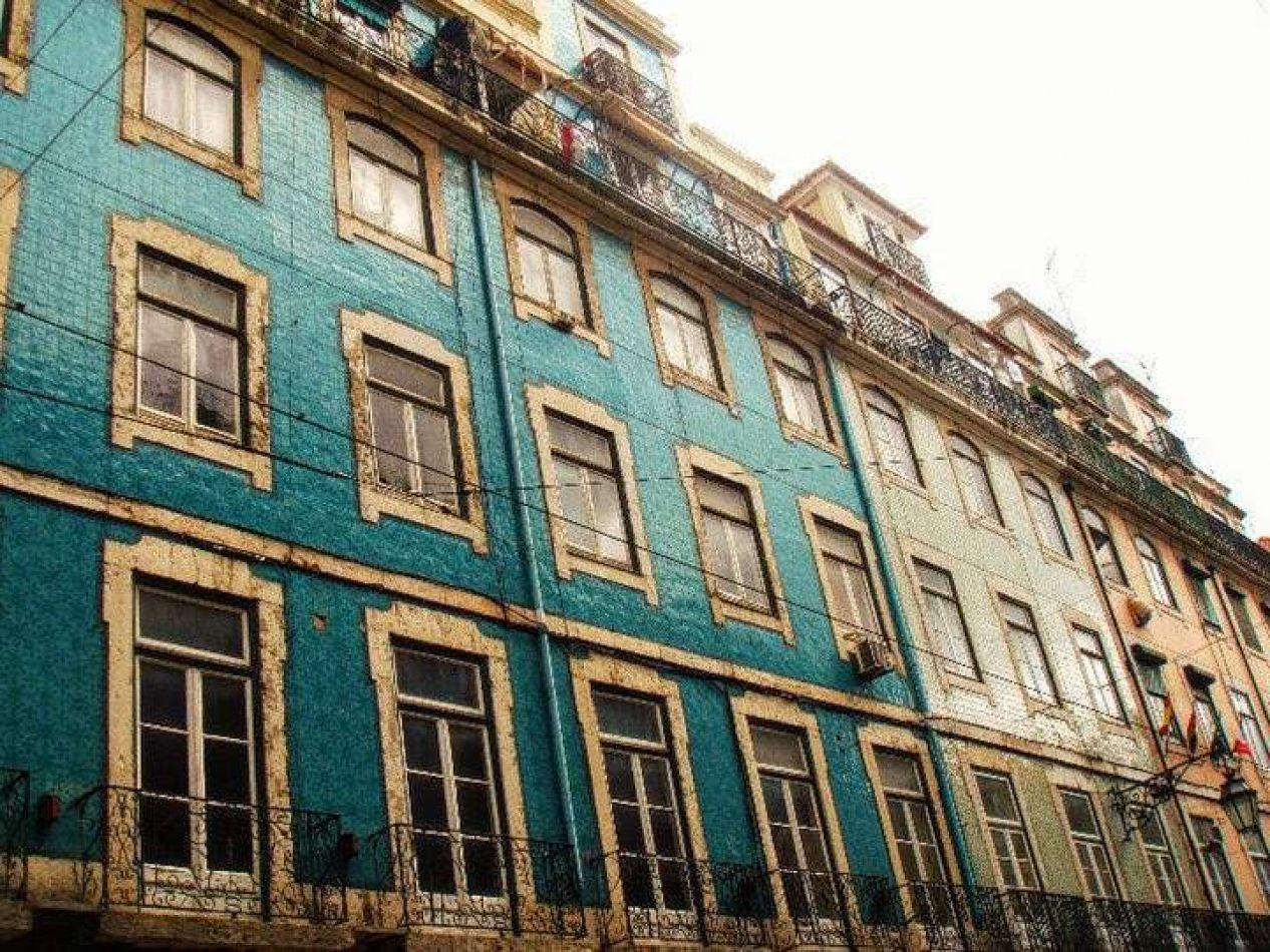 Hibiscus & Nomada : Lisbon - Lisbon