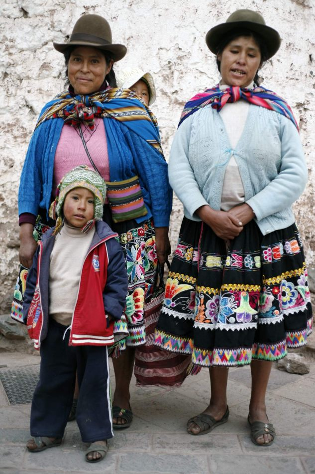 Anthony Ellis Photography: Apus - Quechua Mothers and Sons