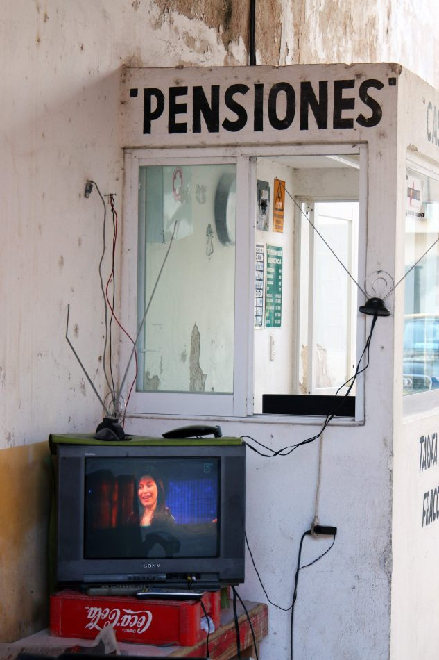 Anthony Ellis Photography: Small Sacrifices - Pensiones