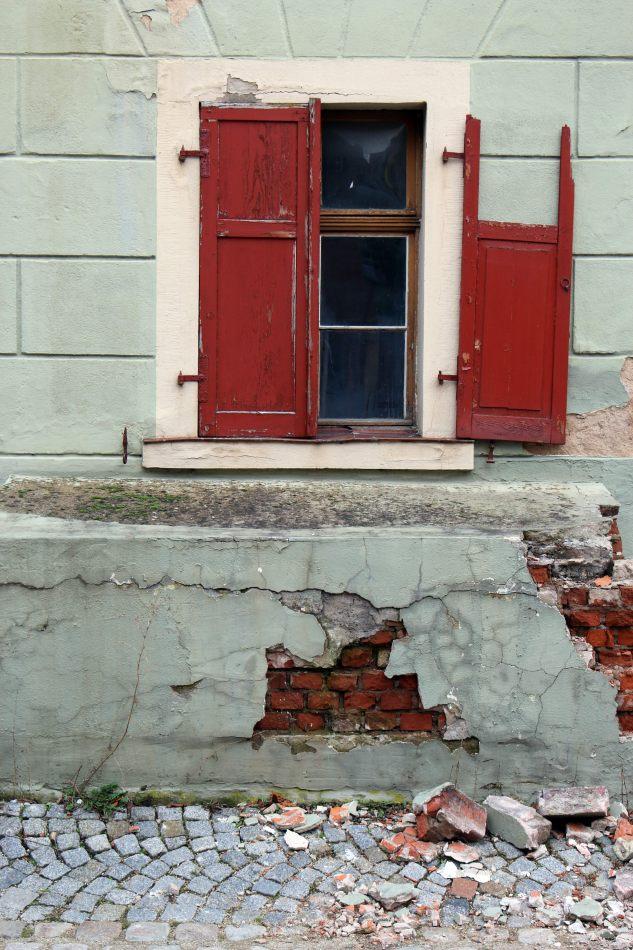 Anthony Ellis Photography: Das Ist - Broken Shutters