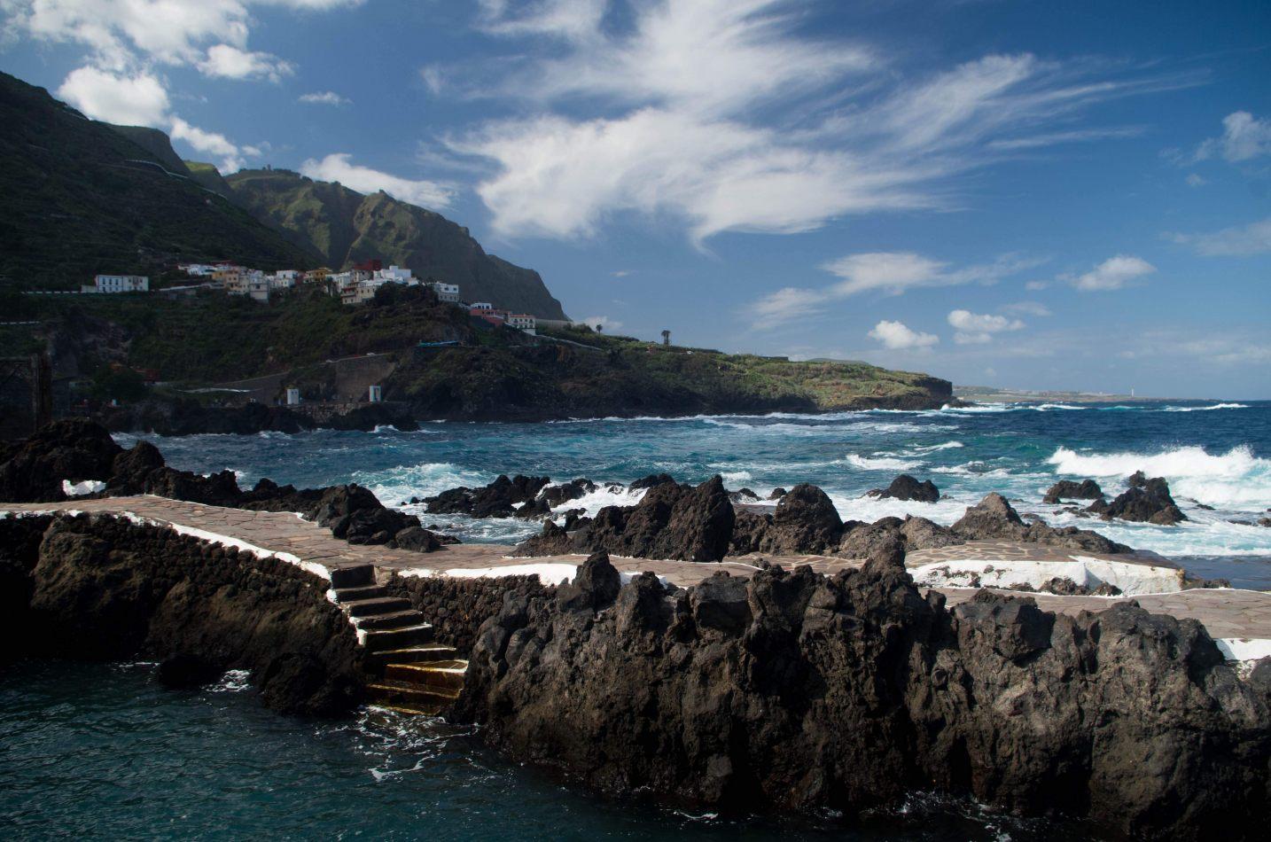 Hibiscus & Nomada : - - Tenerife Sea