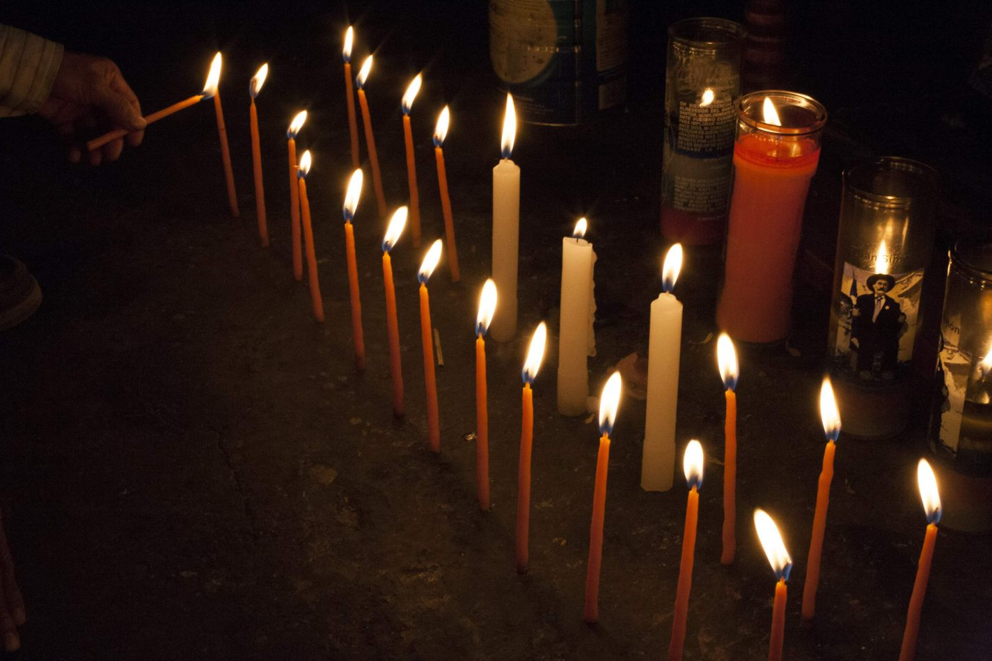 Anthony Ellis Photography: Soldiers to Butterflies - Candles for Maximon