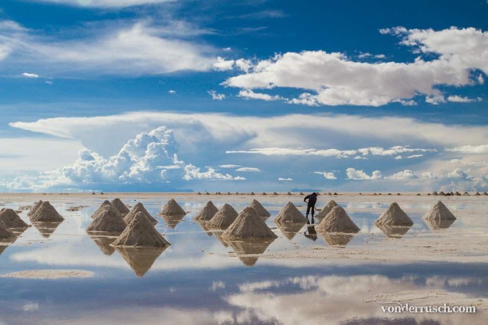 Shovelling Salt     Uyuni Salt Flats Bolivia