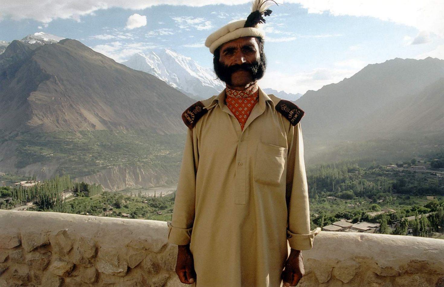 Anthony Ellis Photography: Zindabad - The Guard at Baltit Fort