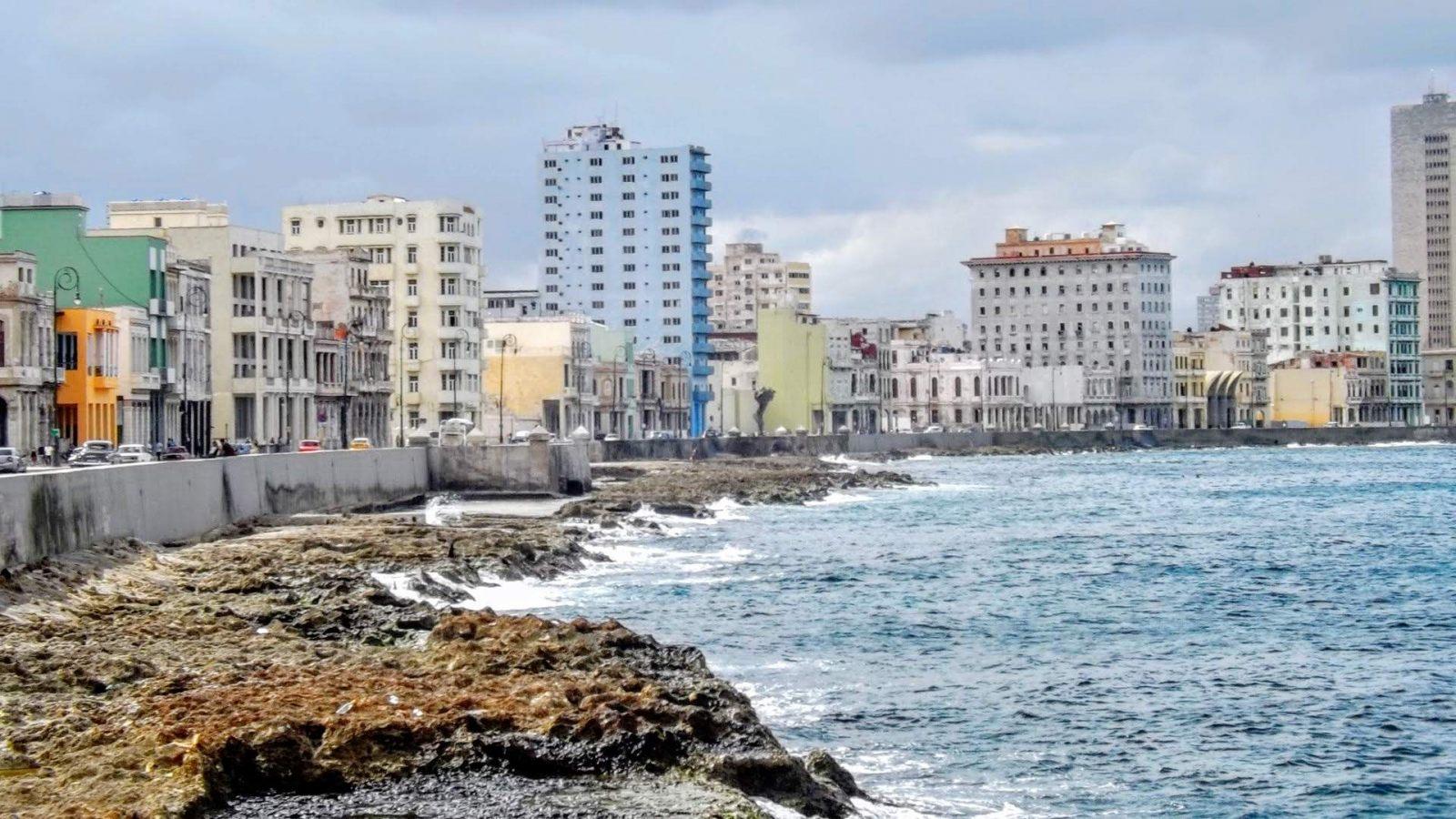 Hibiscus & Nomada : Cuba - Malecón La Habana