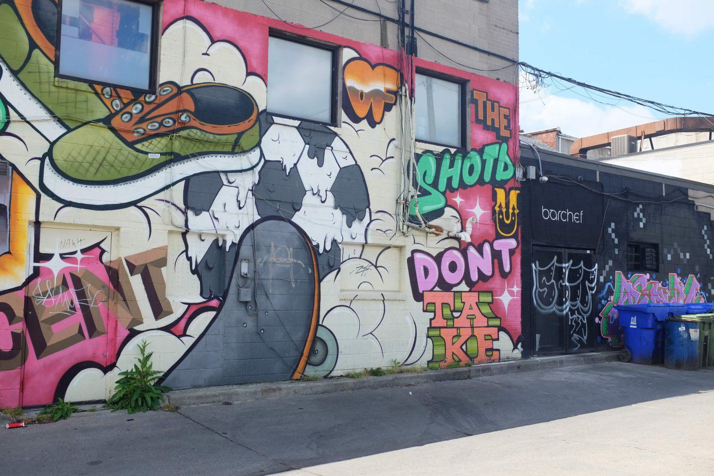 Hibiscus & Nomada : Canada - Street Art Toronto