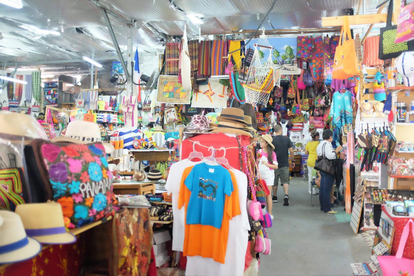 Hibiscus & Nomada : Panama - Artisan Market