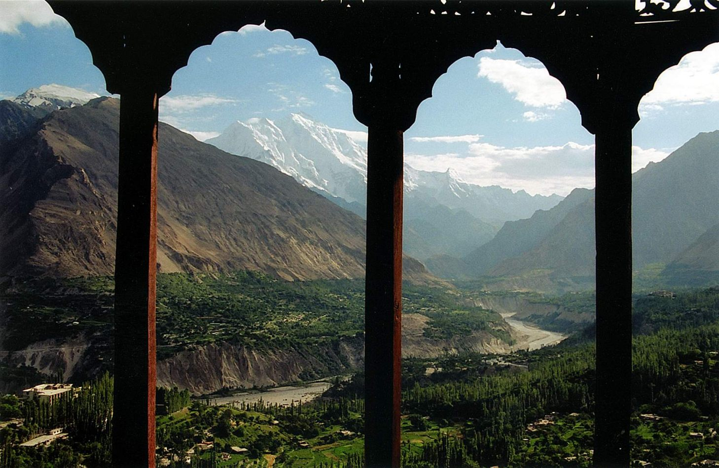 Anthony Ellis Photography: Zindabad - View over Nagar from Baltit Fort