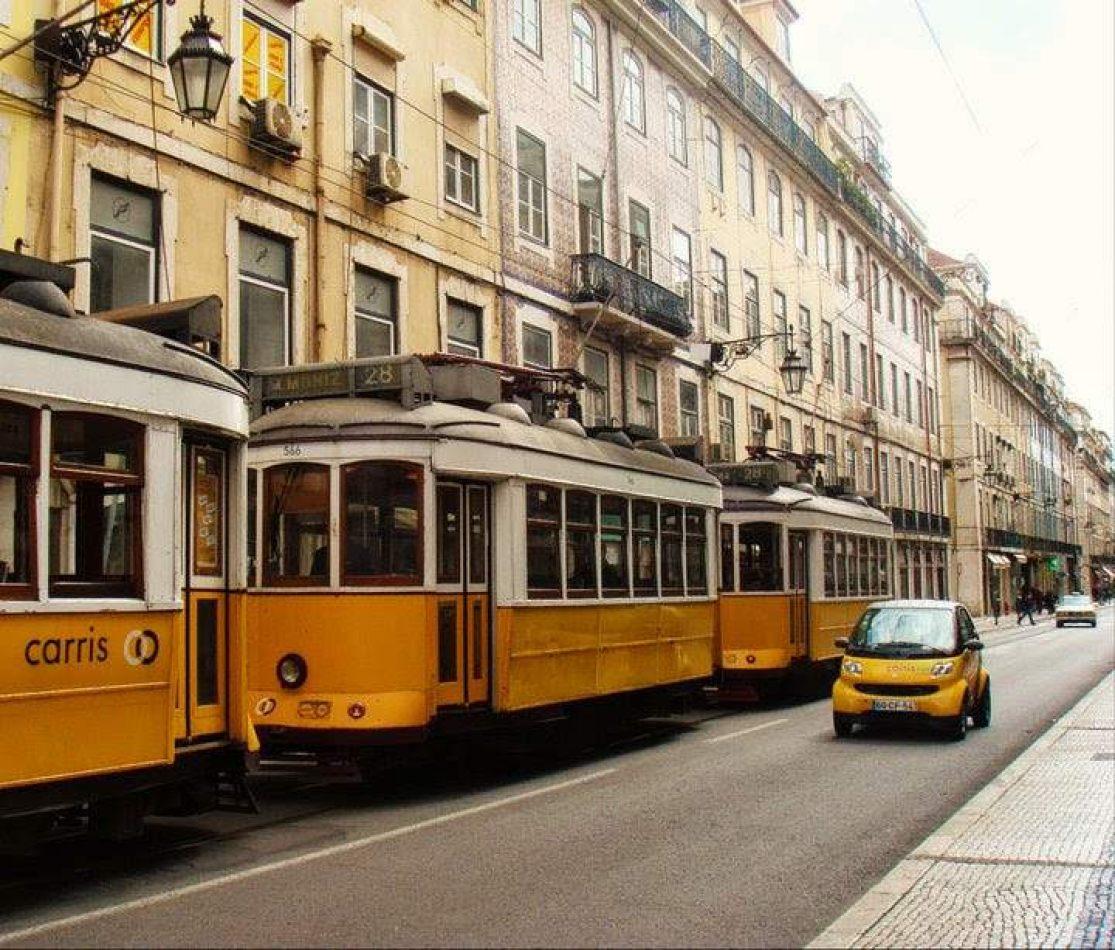 Hibiscus & Nomada : Lisbon - Tramway