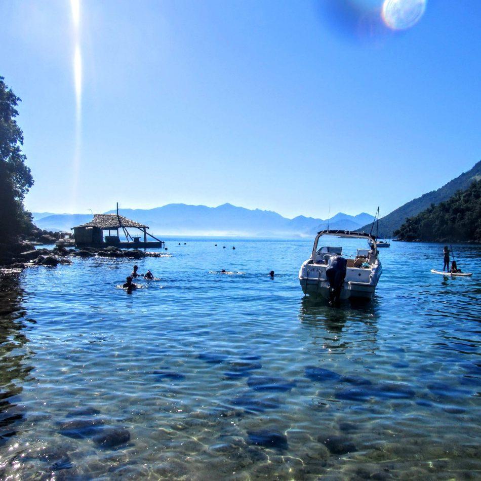 Hibiscus & Nomada : - - Boat Tour Ilha Grande