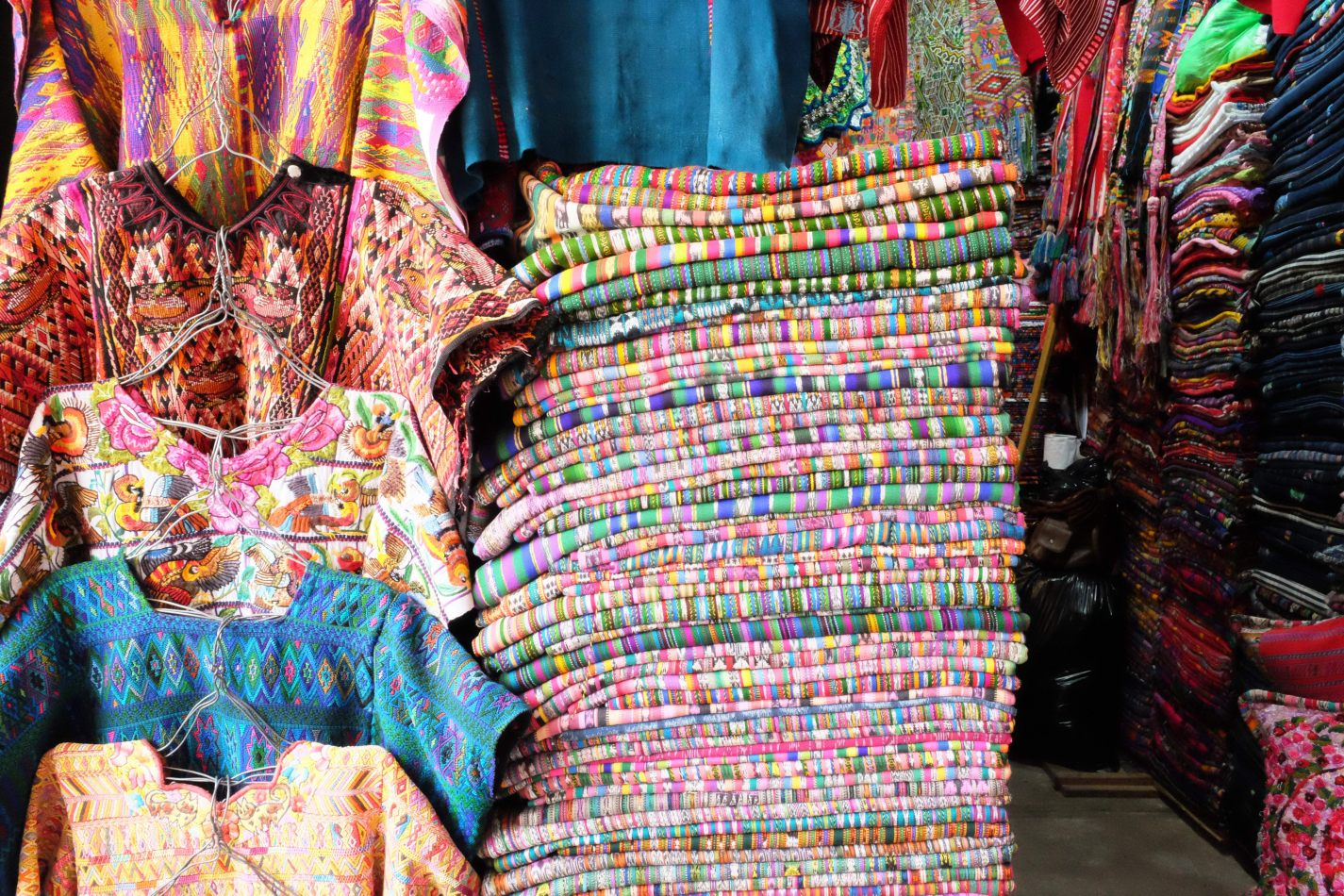 Hibiscus & Nomada : - - Artisan Market