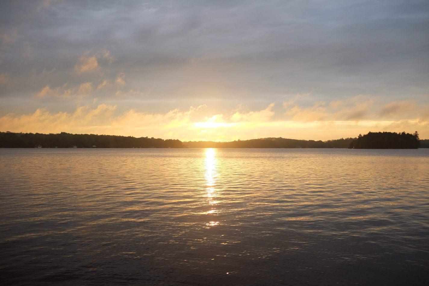 Hibiscus & Nomada : - - Sunset on Lake Muskoka