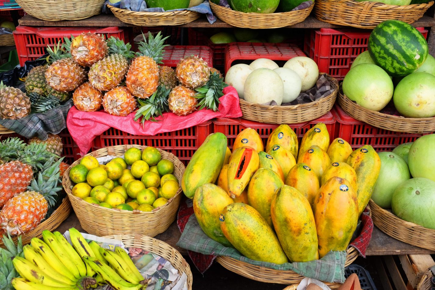 Hibiscus & Nomada : - - Fruits Market