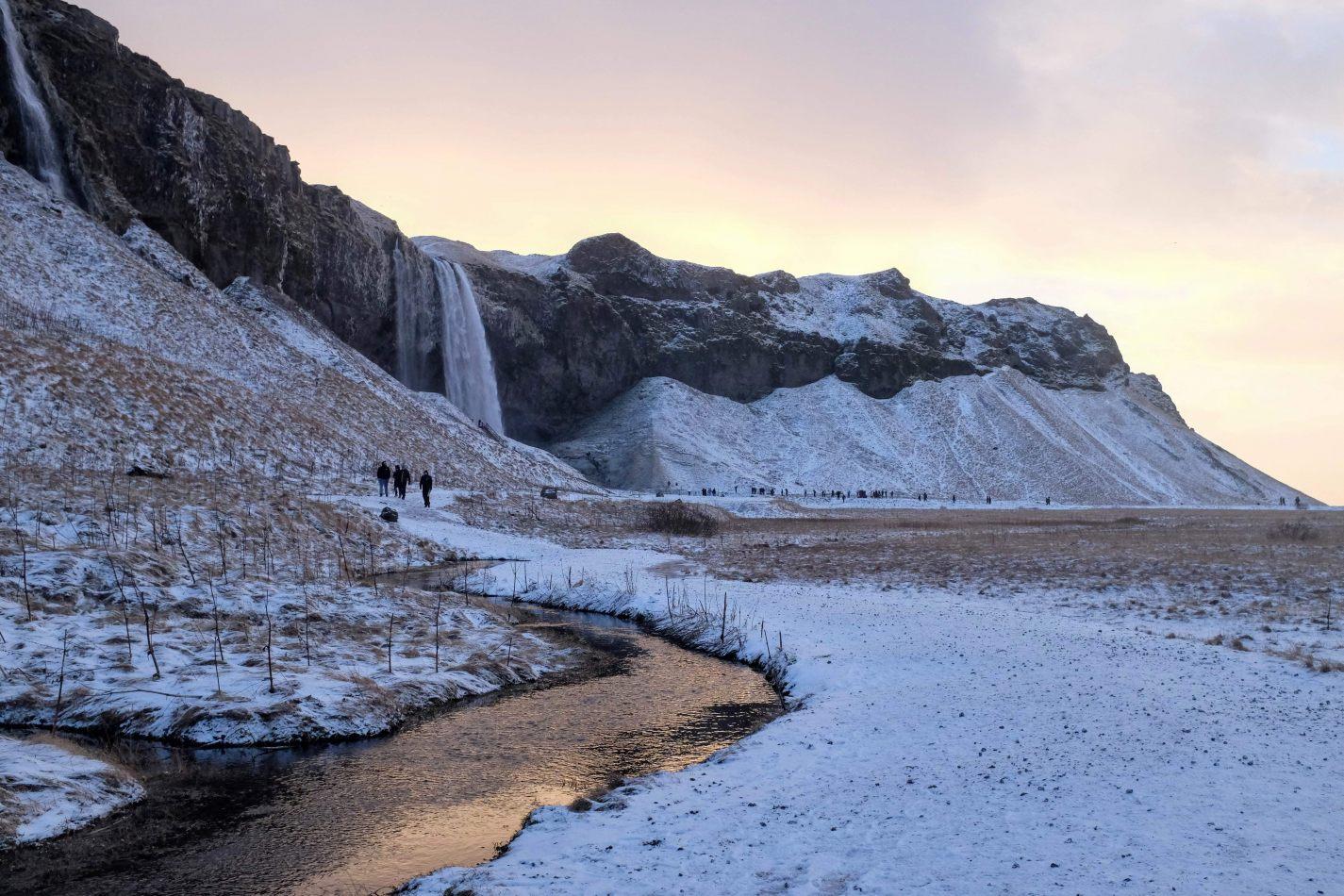 Hibiscus & Nomada : - - Seljalandsfoss Waterfalls