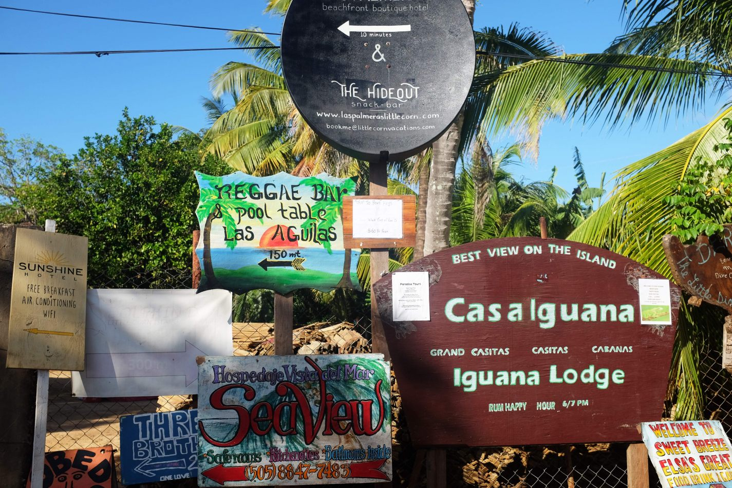 Hibiscus & Nomada : - - Little Corn Island hotels