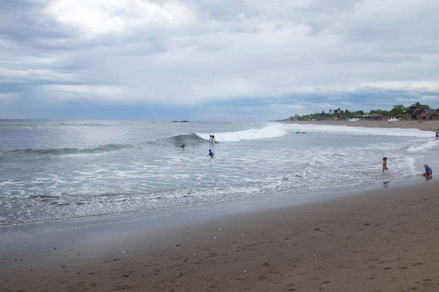 Hibiscus & Nomada : - - Surfing at Playa Roca