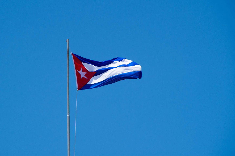 Hibiscus & Nomada : - - Cuban Flag