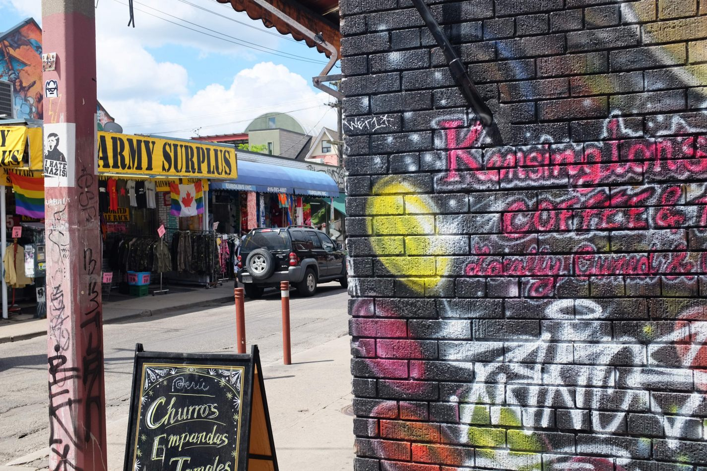 Hibiscus & Nomada : - - Kensington Market