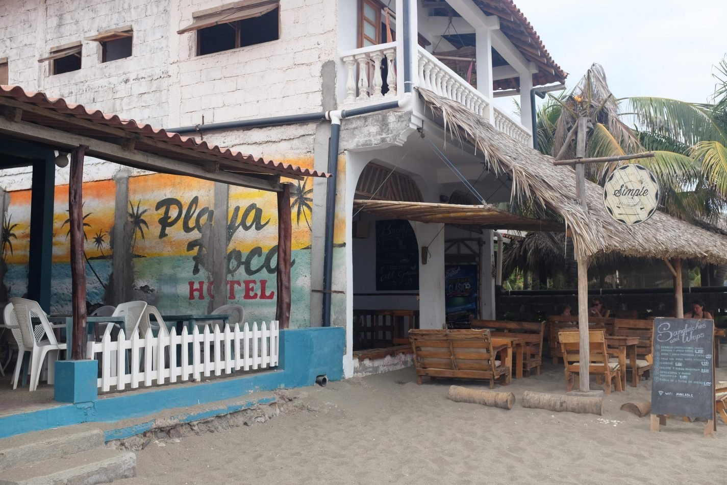 Hibiscus & Nomada : - - Playa Roca Hotel