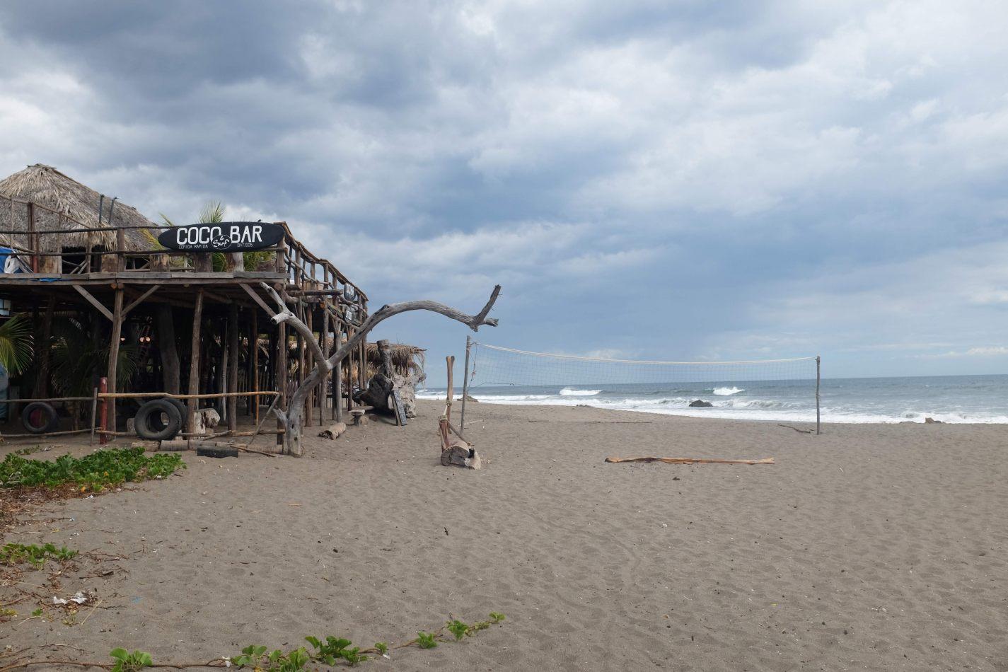 Hibiscus & Nomada : - - Coco Beach Bar